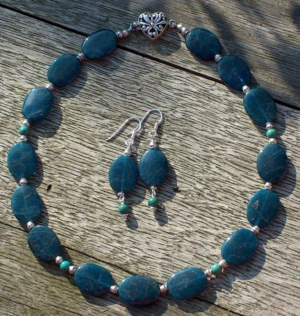 Set met blauwe apatiet en turquoise